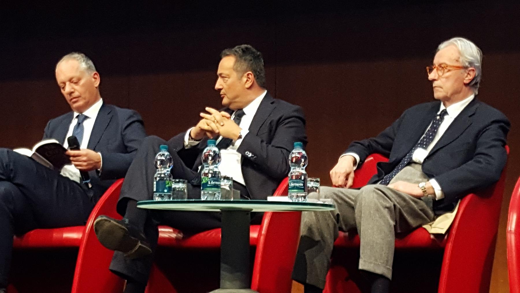 Claudio Brachino con Feltri e Gomez